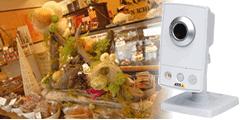 洋菓子店にカメラを設置して、万引きやいたずらを防止する事例